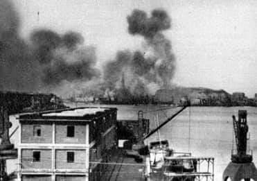 Le conseguenze dei bombardamenti in quel 9 febbraio 1941 a Genova (Foto Wikipedia)